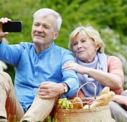 Top 5 US Cellular phones for seniors 2020