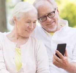 Top 10 easiest cell phones for seniors 2020