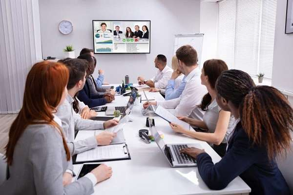 How to set up a conference call
