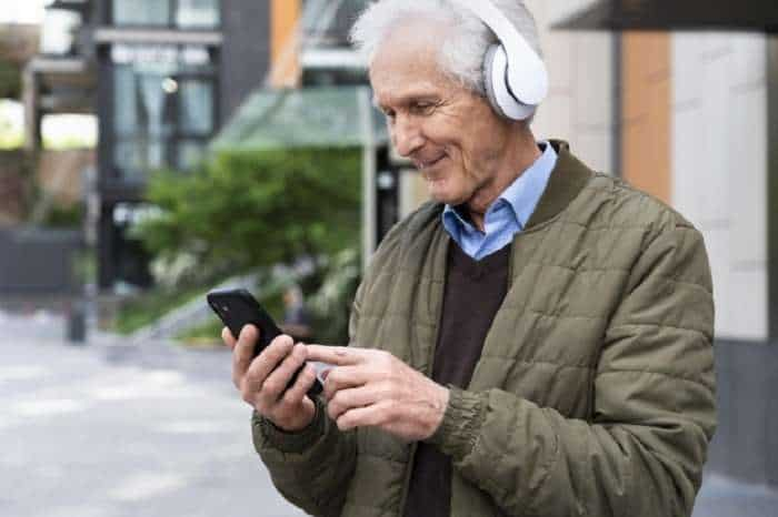 Best no contract cell phone plans for senior